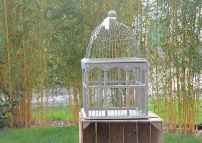 Cage à oiseaux en bois: 5 €
