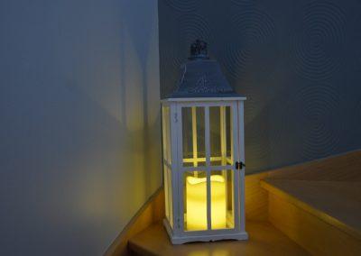Lanterne blanche en bois : 11 €